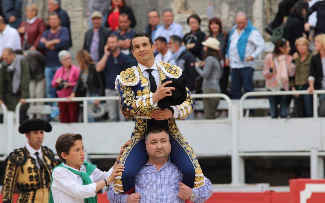 Arles (20.04.2019) Jose Maria Manzanares en triomphe pour l'ouverture.
