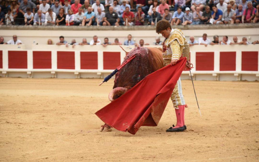 Béziers (18.08.2019, tarde) Juan Leal triomphe des Pedraza avec trois oreilles.
