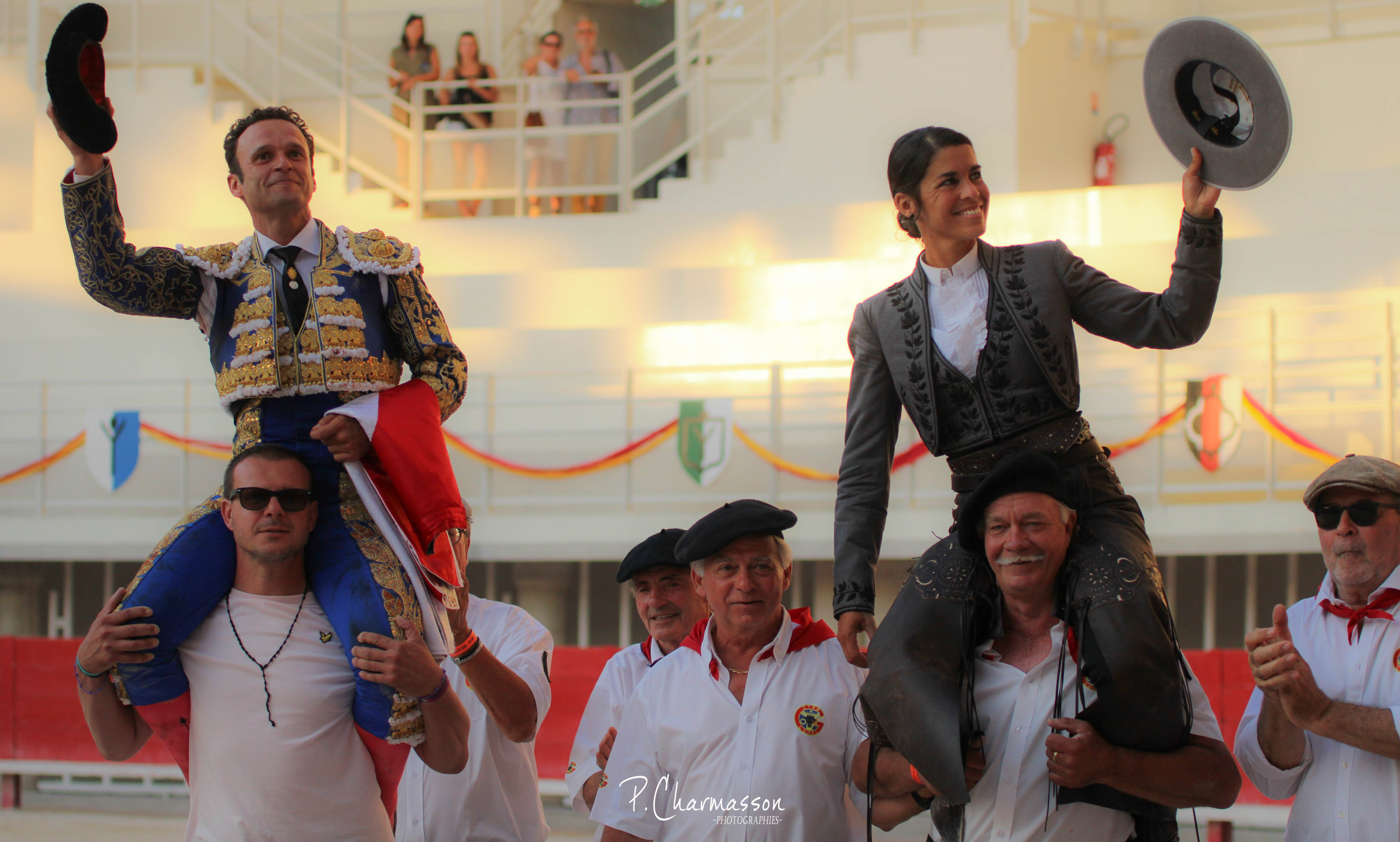 "LUNEL (18.07.2021) – ANTONIO FERRERA gracie ""Manzanilla"" et sort par la Grande Porte aux côtés de LEA VICENS…"